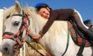 Коне ще помагат за терапията на деца с аутизъм в Стара Загора