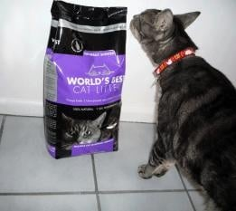 Постелка за тоалетна World's Best Cat Litter™ с аромат на лавандула - три разфасовки